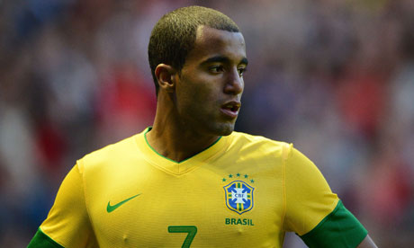Lucas Moura with his new buzz cut hairstyle after Neymar gave him a haircut